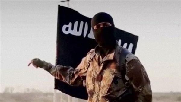 داعش يكمن للجيش السوري ويقصف مواقعه بريف دير الزور