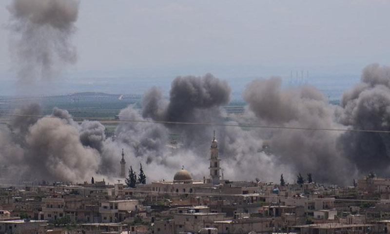 المرصد: القوات الحكومية تستهدف بصواريخ شديدة الانفجار مدينة كفرنبل