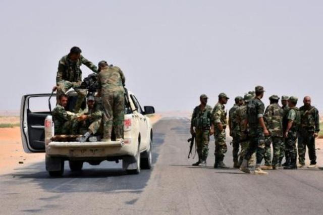 دير الزور: مقتل 3 عناصر باستهداف سيارة تابعة للحرس الثوري الايراني