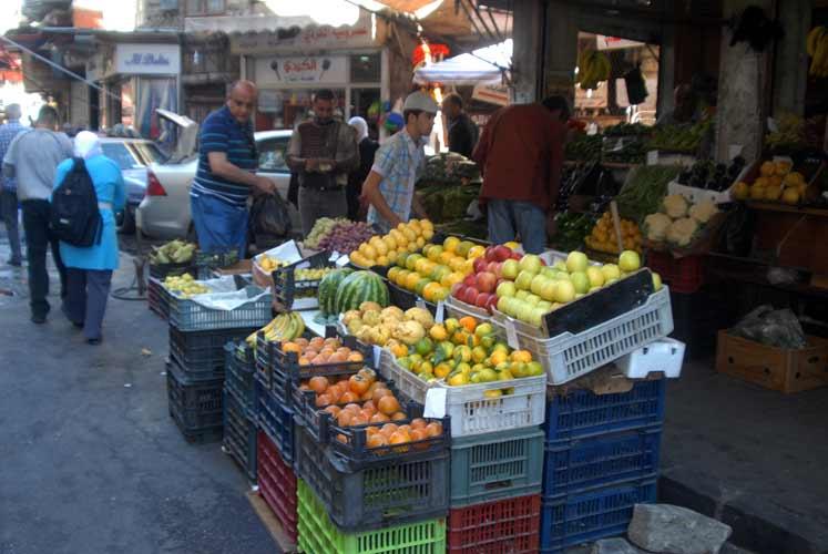 بعد ارتفاع سعر صرف الدولار في سوريا.. أسعار المواد الأساسية ترتفع