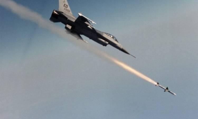 طائرات مجهولة تقصف القوات الايرانية في البوكمال بدير الزور