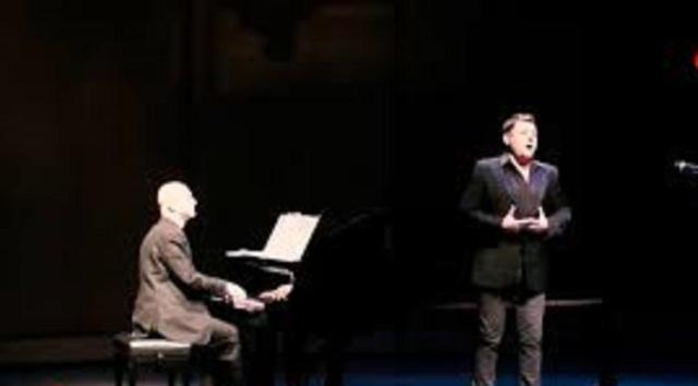 النجم الغنائي الفرنسي سينشال: تأثرت بالكم الهائل من الشهداء في سوريا