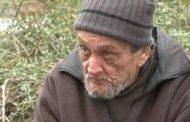 مشردون يفقدون حياتهم في غابات المجر, وآخرون يخفون طعامهم في جذوع الأشجار!