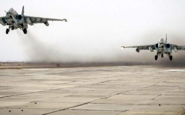 الطيران الروسي يقصف مواقع بريفي اللاذقية وحماة.. واستمرار الاشتباكات بين الجيش السوري والفصائل بجبل الزاوية
