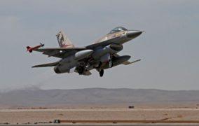 تعرض مواقع للجيش السوري بريف حماة لقصف اسرائيلي من الاجواء اللبنانية