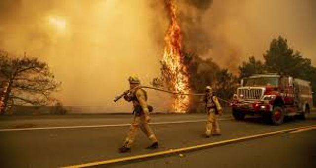 انفجار كبير يهز مدينة أمريكية ويدمر عددا من المنازل...