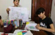 الطفل السوري رغدان فرج يبيع رسوماته لشراء كمامات