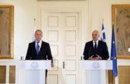 وزير خارجية اليونان يعرب عن قلقه من