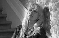 لماذا حملت الصحفية إيرينا سلافينا السلطات الروسية مسؤولية انتحارها..؟