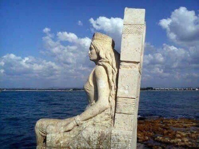 من بين 100 منحوتة عالمية .. تمثال