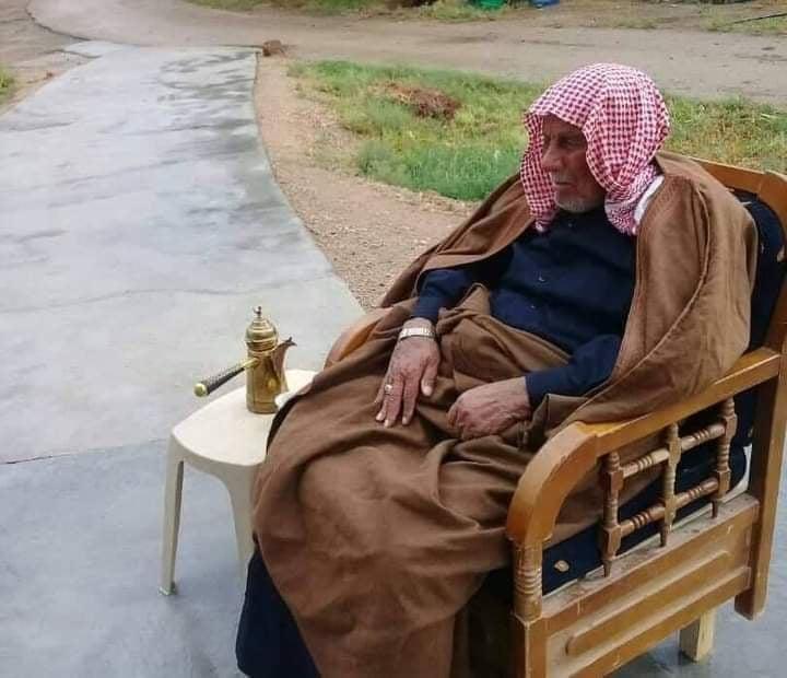 اغتيال أحد وجهاء قبيلة العكيدات وابنه في ريف دير الزور